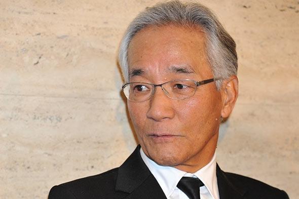 上岡 龍太郎 引退 吉本興業の芸人テントさん、車にはねられ死亡65歳