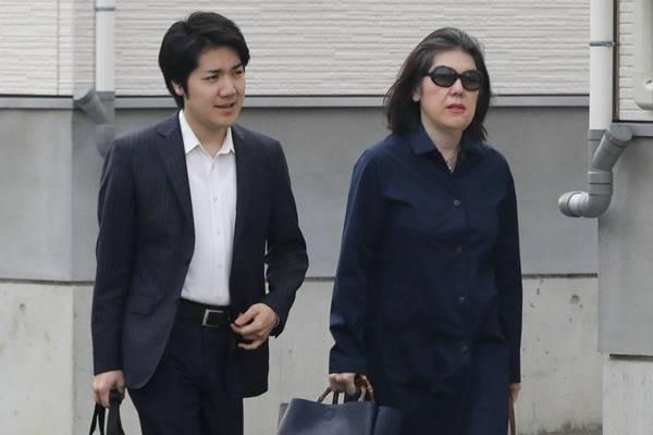 小室圭さん「母と同伴出勤」決断の陰にあった警備縮小の事態 | 女性自身